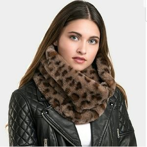 Accessories - Faux fur leopard snood scarves, 100% polyester